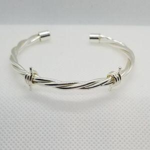 Jewelry - Silver Bobwire Bracelet small in new like